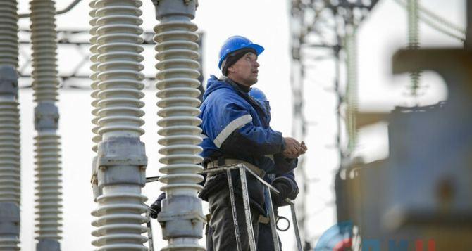 Как проходит ремонт высоковольтной линии «Шахты-Победа», ради которого всем отключили свет на два дня. ФОТО