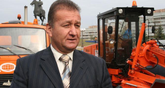 Мэр Луганска заявил, что проблема с вывозом мусора решена и ушёл в отпуск