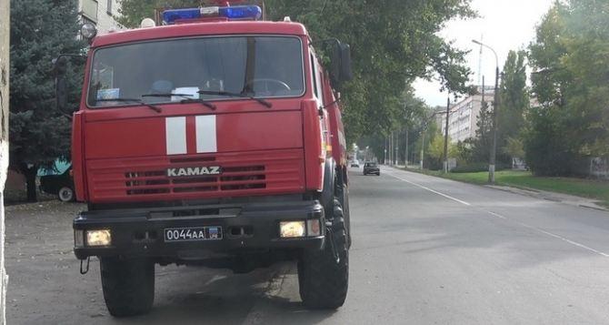 Штраф до 5 тысяч рублей угрожает тем, кто не пропускает спецмашины с проблесковым маячком