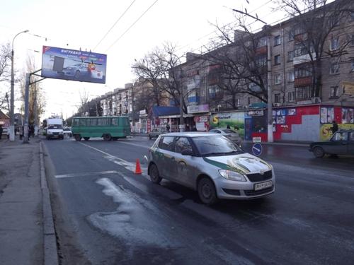 Движение автотранспорта в этом районе Луганска затруднено.  Новости на сегодня.