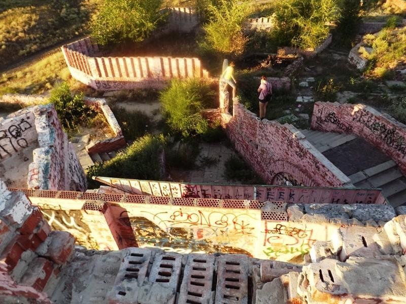 В сети появились свежие фотографии парка Дружбы, который находится на восточных кварталах Луганска