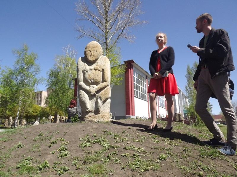 Археолог, священник, художник и гей знакомили луганчан с культурой (фото)