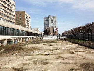 Фонтан возле бывшей «Медианы» превратится в большущий сарай? (фото)