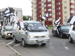 «Вперед, Заря!». Луганские болельщики устроили сюрприз для любимой команды (фото, видео)