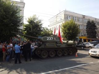 Чудесное воскрешение и новая жизнь луганского танка (фото, видео)