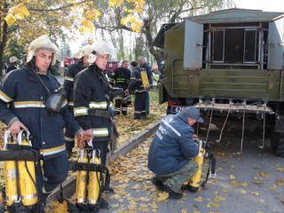 В Луганске «тушили» ДК им. Ленина (фото, видео)
