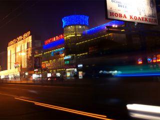 Центральные улицы Луганска превратились в трассу для автогонок