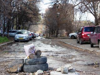 150 ловушек для луганчан, или почему городские власти закрывают глаза на открытые люки?