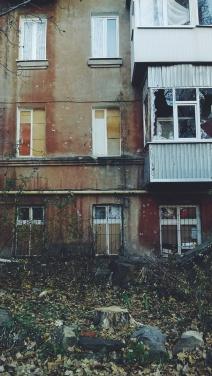 Свежие фотографии Луганска: цены на сигареты, квартал Пролетариата Донбасса и городские птицы