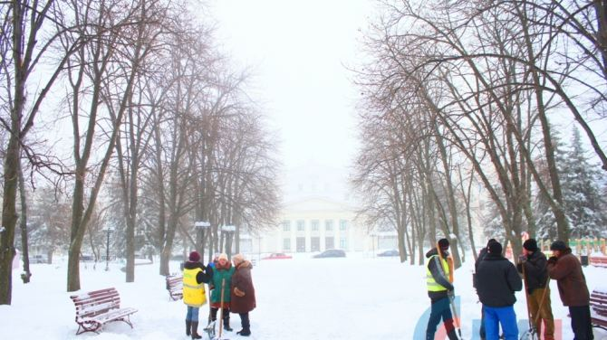 Заснеженный Луганск: как город противостоит непогоде +