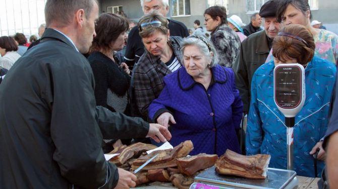 В Луганске прошла продовольственная ярмарка +