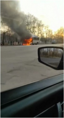 В Донецке во время движения загорелся автобус. ФОТО
