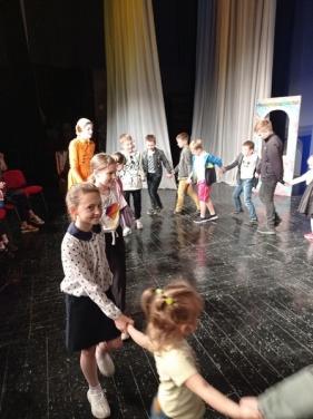 Мастер-класс для детей провели в Луганском театре