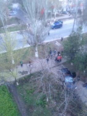 Внедорожник на бешеной скорости вылетел на тротуар. Луганчане готовы были учинить самосуд. ФОТО