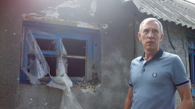 В результате обстрела пострадали более 10 жилых домов в Стаханове +