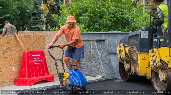 В Харькове отремонтируют пешеходные выходы из метро +