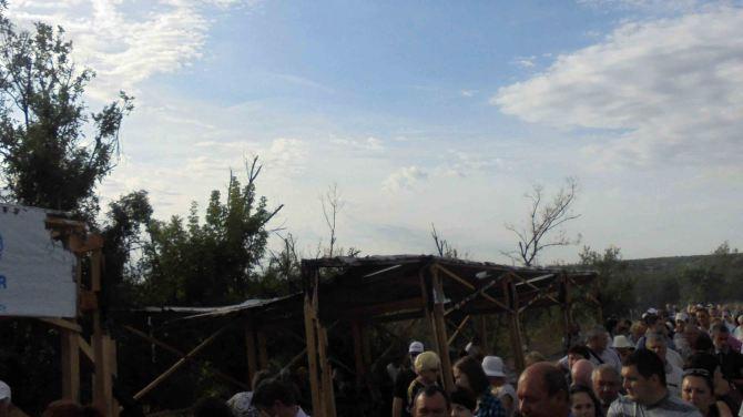 В Станице Луганской в результате обстрела сгорел дом +