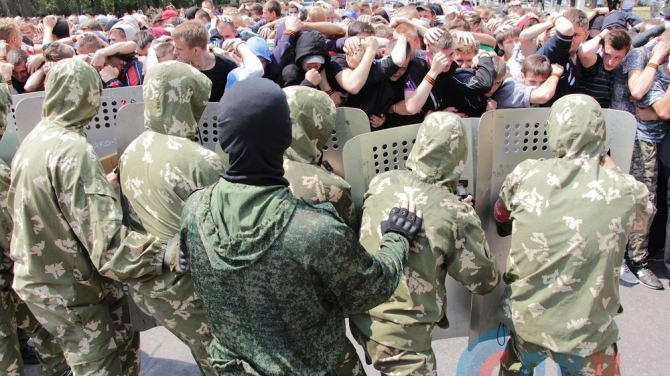 В Луганске провели масштабную тренировку по противодействию вооруженной миссии (ФОТО)