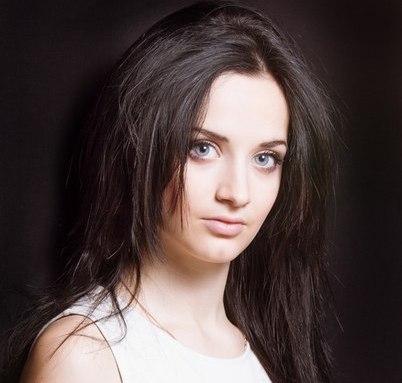 В Луганске выбрали самых красивых девушек (фото) .